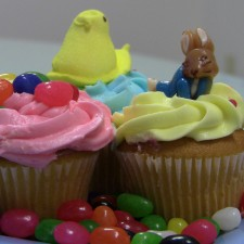 154 225x225  Quick and Easy Easter Cupcakes