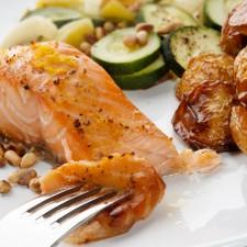 Salmon2 225x225  Baked Salmon with Potatoes