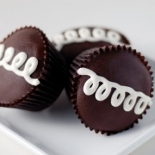 "fauxstess hostess cupcakes 20886621 225x225  Homemade ""Fauxstess"" Hostess Chocolate Cupcakes"