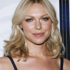 Laura Prepon 8316 225x225  Laura Prepon Loves to Cook with Coconut Oil