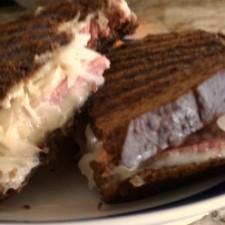 Rueben Sandwiches 2 225x225  Reuben Sandwiches
