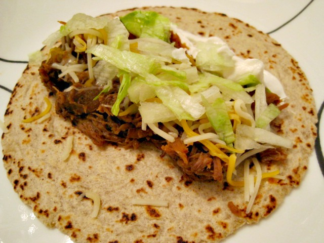 http://coconutoilcooking.com/wp-content/uploads/2012/05/shredded-beef-tacos.jpg