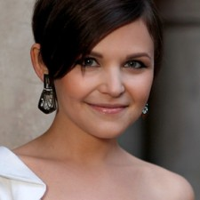 Ginnifer Goodwin 225x225  Ginnifer Goodwin Obsessed with Coconut Oil