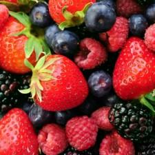 summer berries 225x225  Berry Up Your Diet