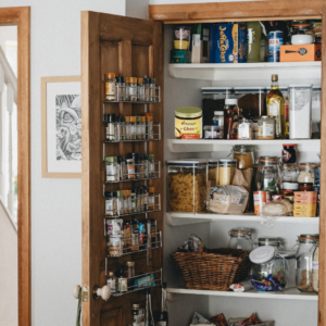Untitled design 23 300x300  5 Spring Cleaning Tips for your Pantry